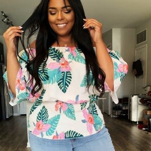 PLUS SIZE Off the Shoulder Palm Print Top